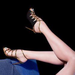 Лабутены – обувь для стильных девушек. Туфли с красной подошвой